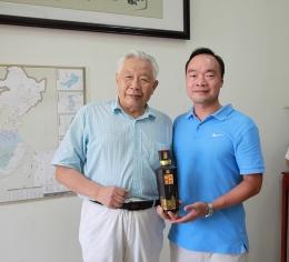国际酿酒大师赖高淮莅临公司指导工作